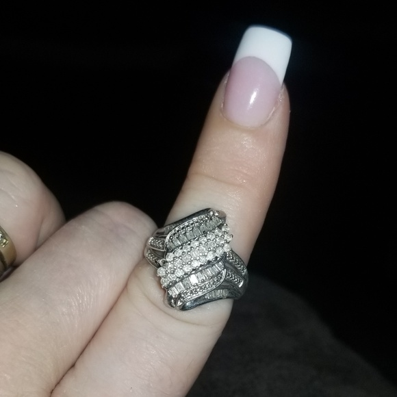 Jewelry - Large Cluster ring